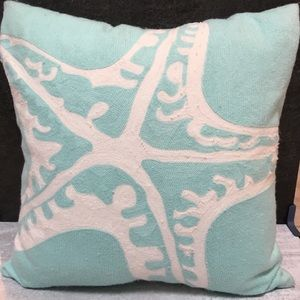 "Pottery Barn Teen Starfish 18"" Pillow Cover Green"